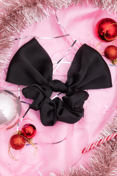 Ur Best Black Bow Scrunhie
