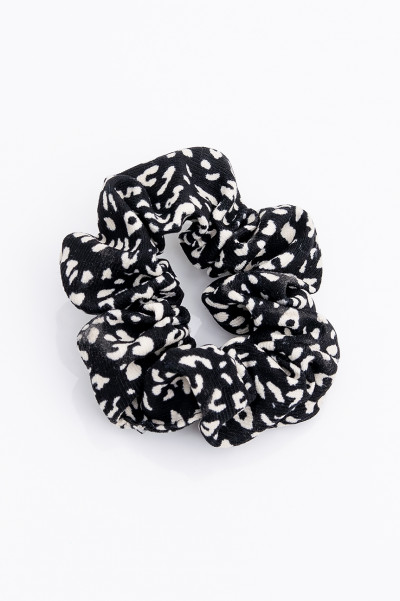 Be Fash Black Leo Scrunchie