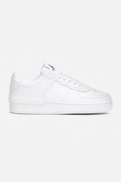 Do's and Dont's White Sneakers