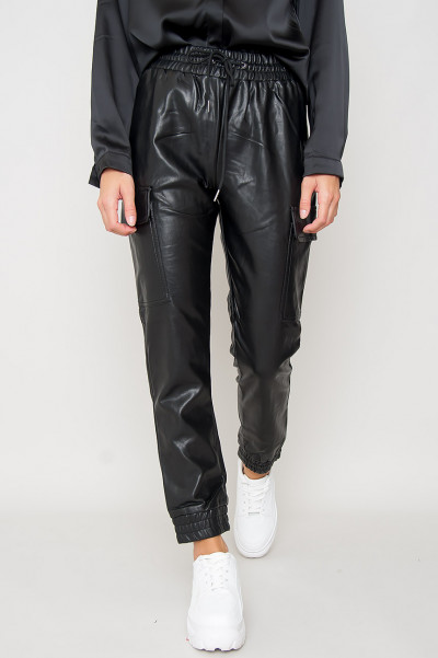 Faux Leather Cargo Byxor - Meghan